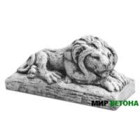 Статуя Лев на камне